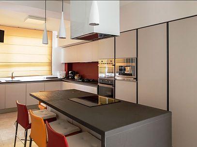 bucătărie cu opțiuni binare