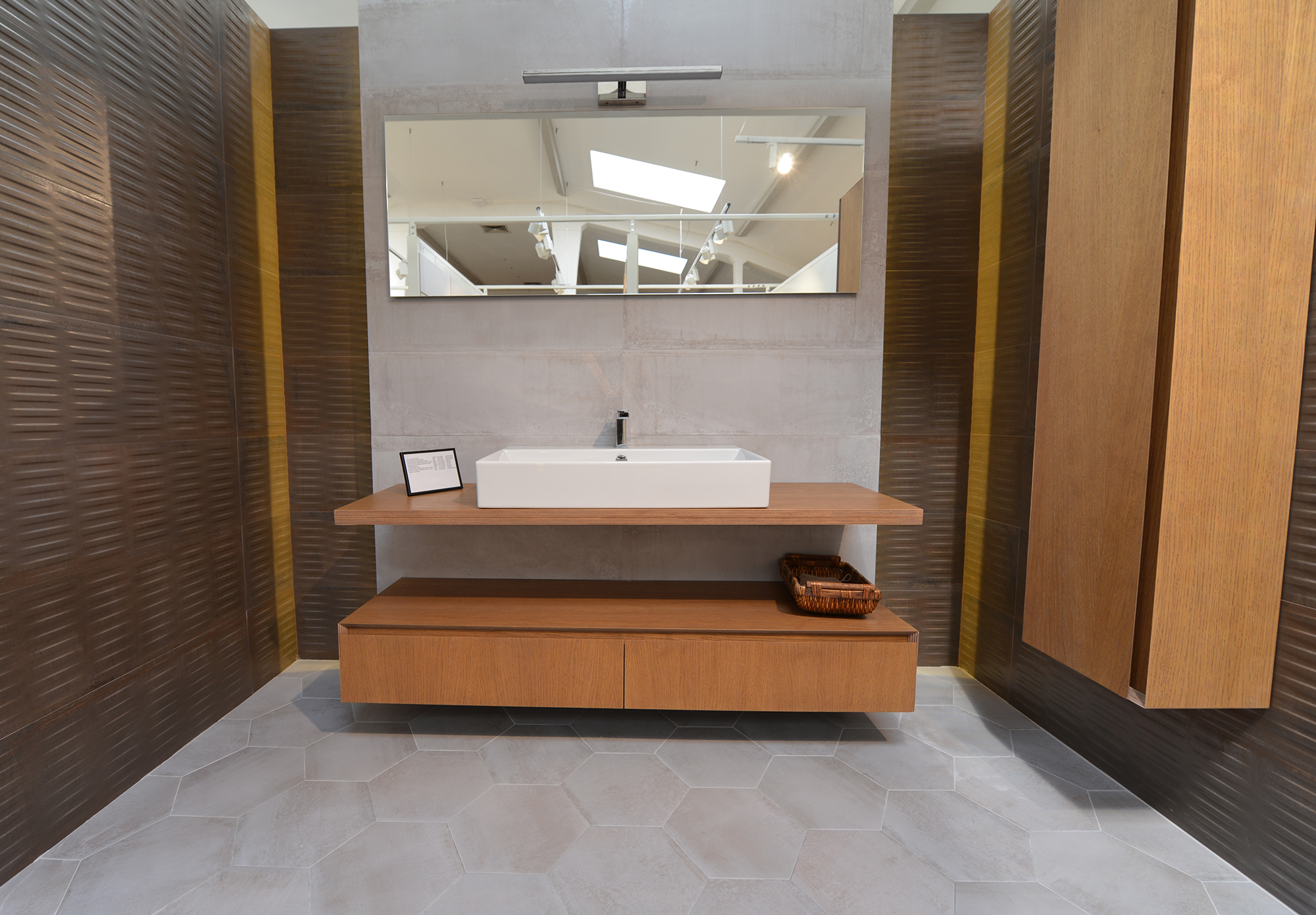 RAVAL BROWN STRUCTURE RECTIFIED 30X89.5